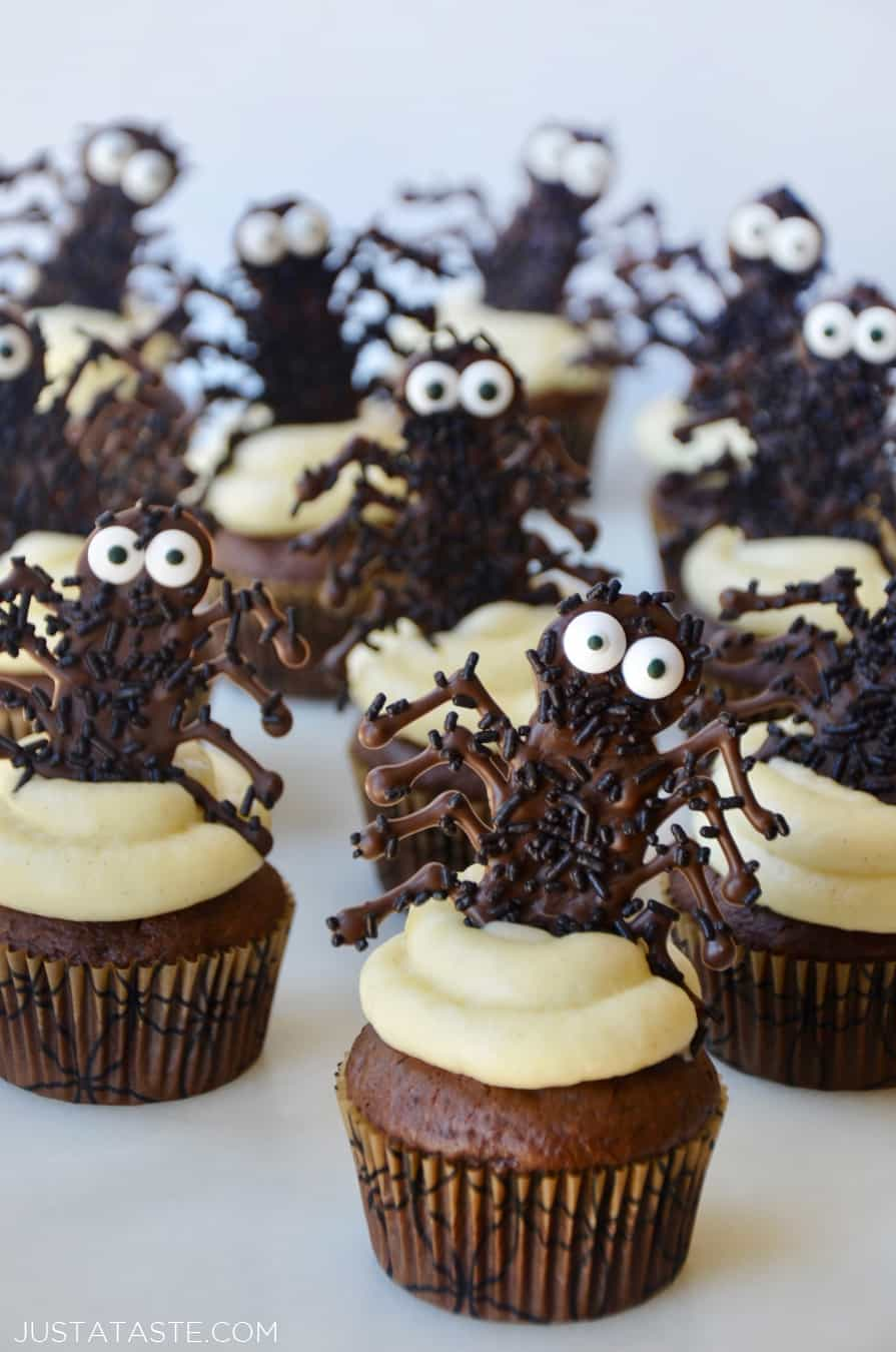 Easy Halloween Cupcakes with Chocolate Spiders